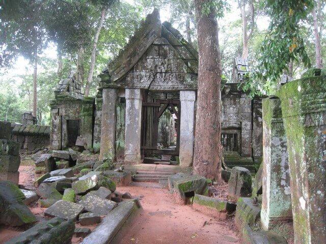 Temple Koh Ker Angkor circuit Siem Reap.jpg