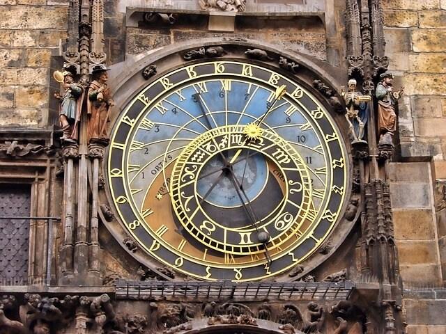 horloge de l'hôtel de ville à Prague